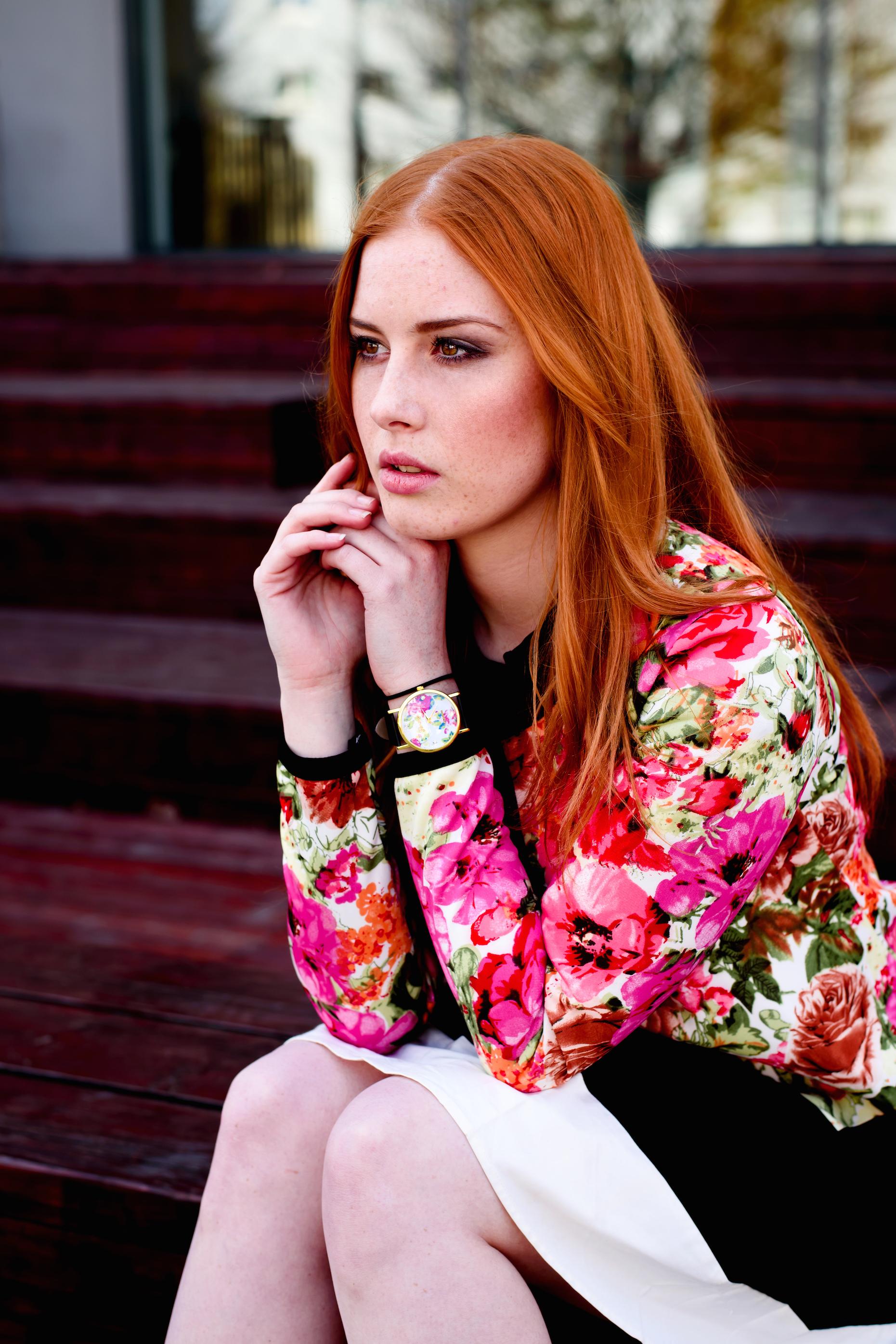 Lenka Regalová ootd style fashion redhead freackles bow flower floral