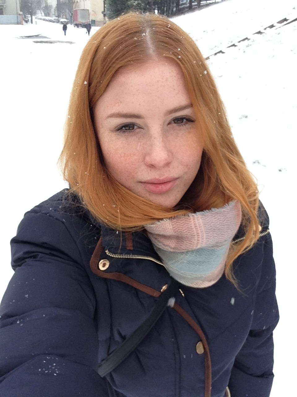 Lenka Regalová redhead freackles snow winter olomouc selfie cityflower